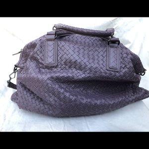 Bottega Veneta large shoulder bag, lavender color